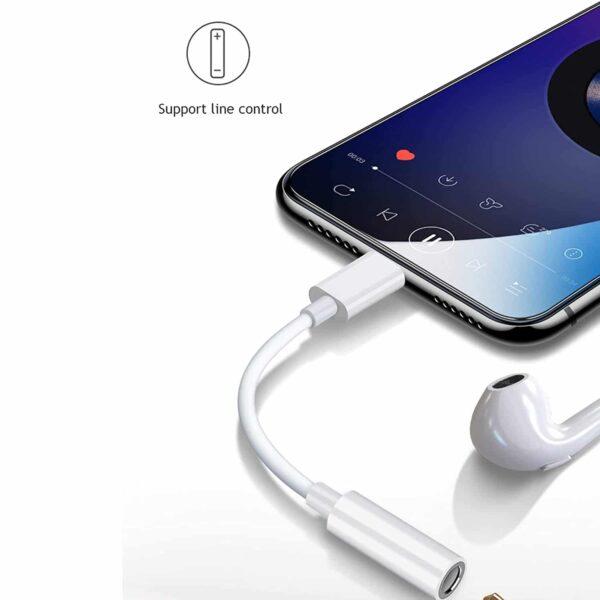 Adaptateur écouteur iPhone 3.5mm branché