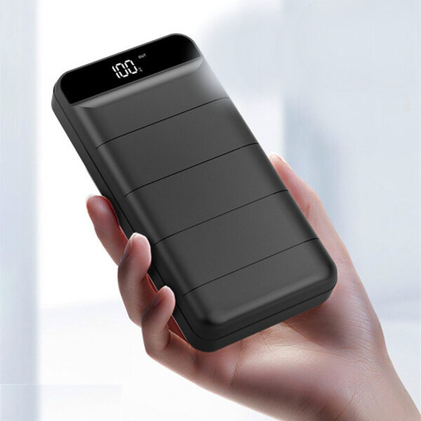 Batterie externe 40000mAh SunnyKevin dans une main
