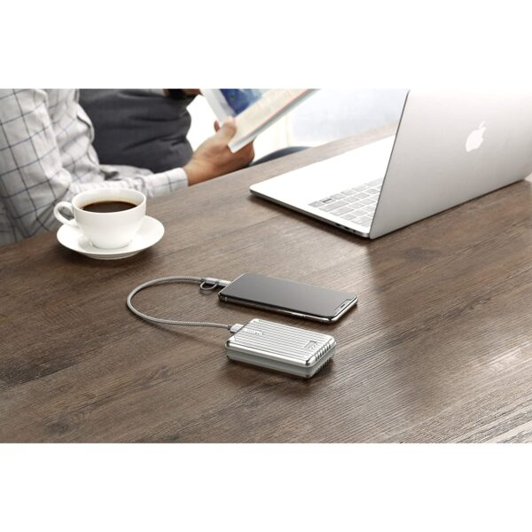 Batterie externe 10000mAh Zendure recharge un iPhone