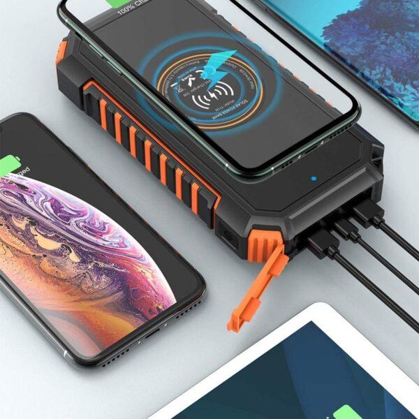 Batterie externe solaire Hiluckey charge 4 appareils en même temps