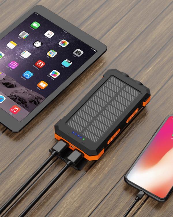 Batterie Externe Solaire 24000mAh charge iPhone et iPad